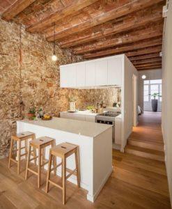 pulizia-appartamenti-e-case-vacanza-a-venezia-11-247x300