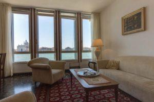 pulizia-appartamenti-e-case-vacanza-a-venezia-5-300x200