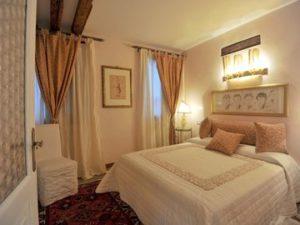 pulizia-appartamenti-e-case-vacanza-a-venezia-9-300x225